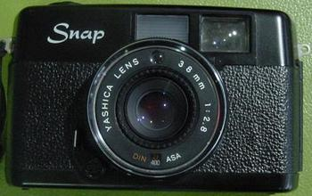 yashica001.JPG